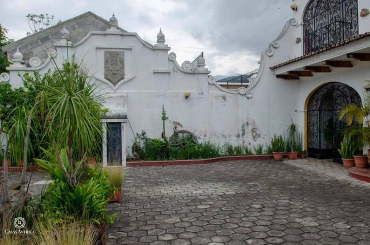 Casa con piscina para hotel en Antigua Guatemala!
